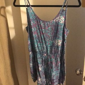Women's fitted patterned romper